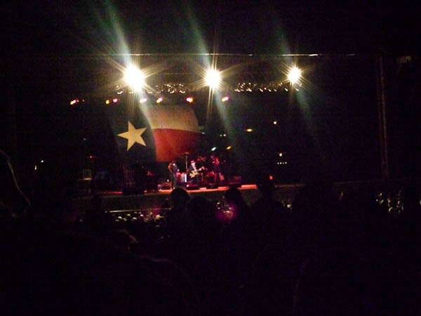 Willie nelson outdoor concert in texas