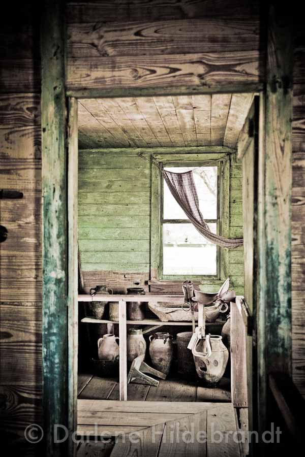 laura plantation slave cabin