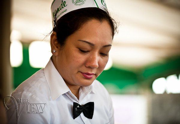 cafe du monde waitress
